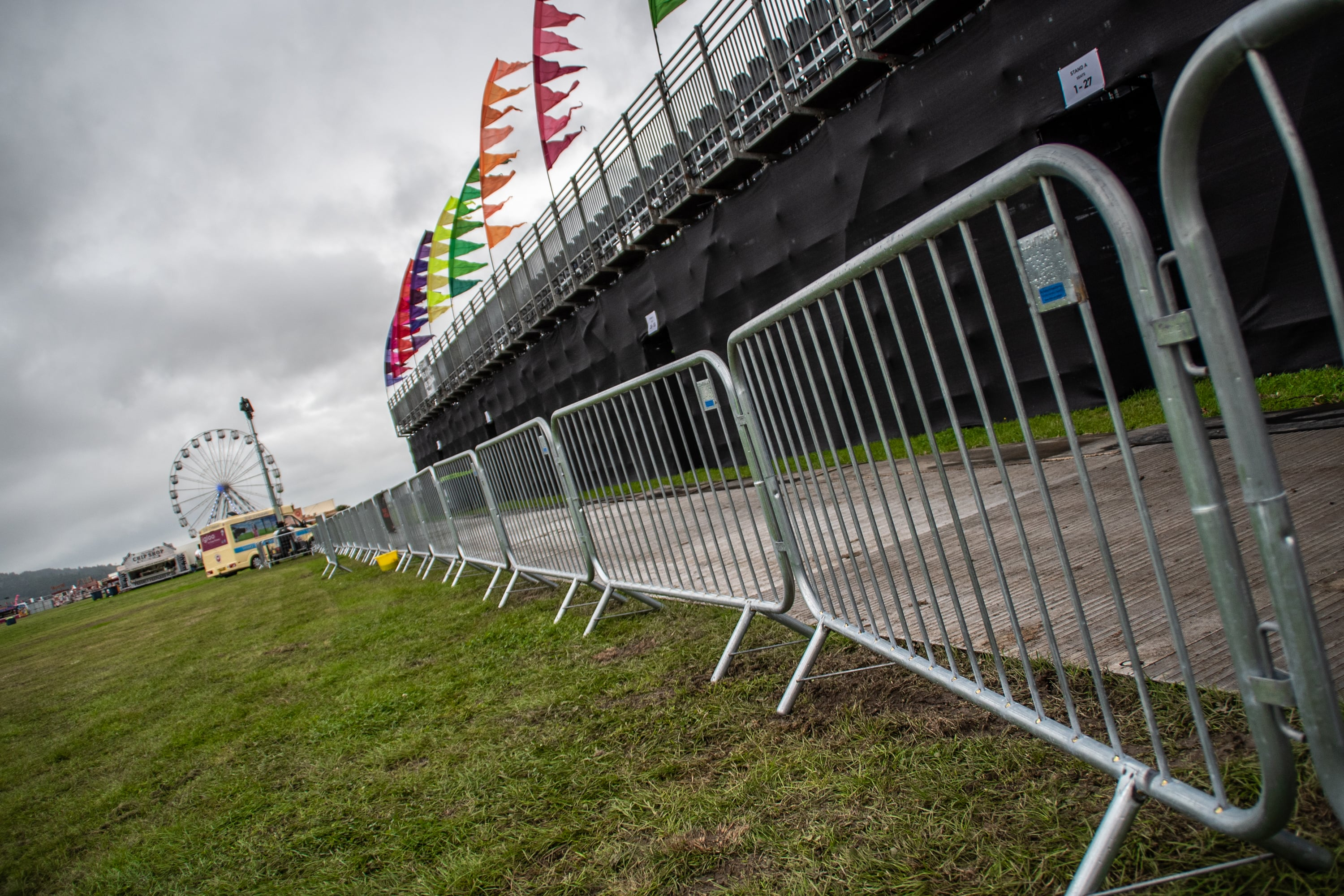 Crowd Control Barriers / Pedestrian Barriers