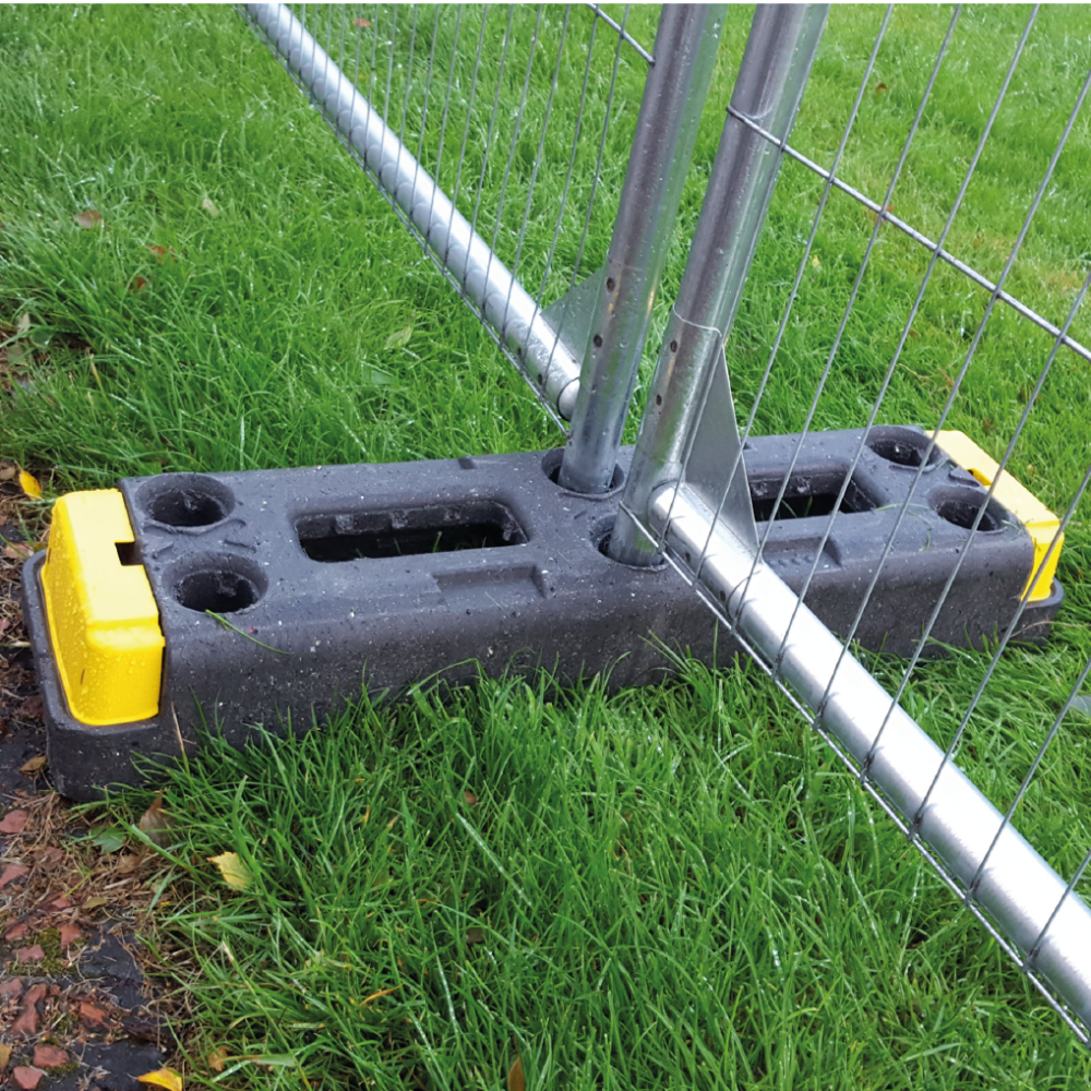 Fencing blocks